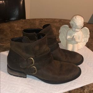 Born Ankle Buckle Ankle Booties Boots Size 8